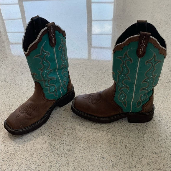 1a7b7795bf3 Blue Square toe Justin Gypsy Cowgirl Boots